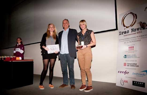 Carles-Boronat-entrega-premis-Drac-Novell-Associacio-Empresarial-Publicitat-Universitat-Internacional-Catalunya-2_cbmpublicitat